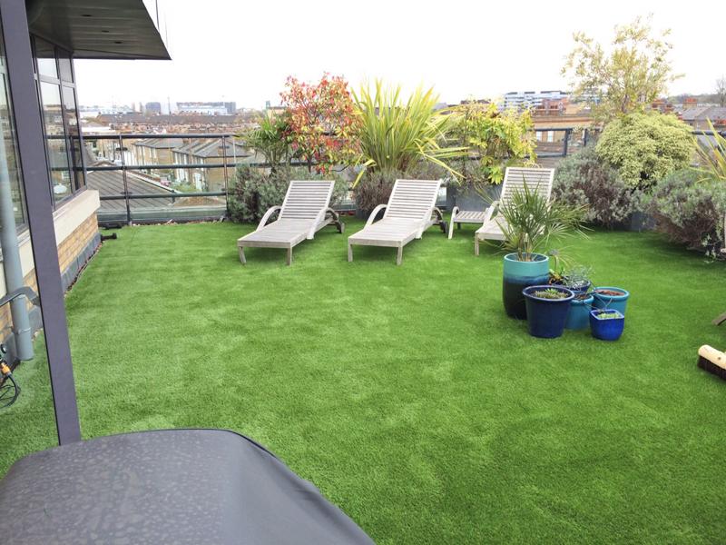 Релакс зона - тераса с трева